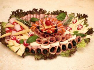 Platou cu aperitive pentru evenimente
